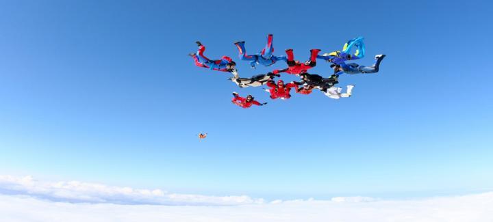Jumping for LauraLynn - The La Crème & Morgan McKinley Skydive